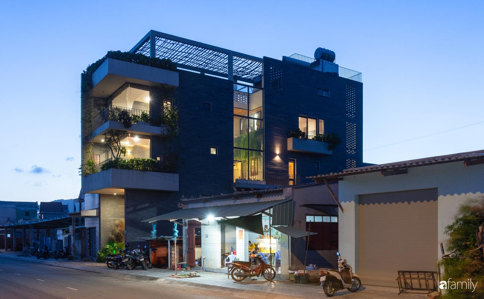 Ngôi nhà 3 tầng view biển Vũng Tàu với thiết kế mang ánh sáng và cây xanh đến từng góc nhỏ - Ảnh 2.