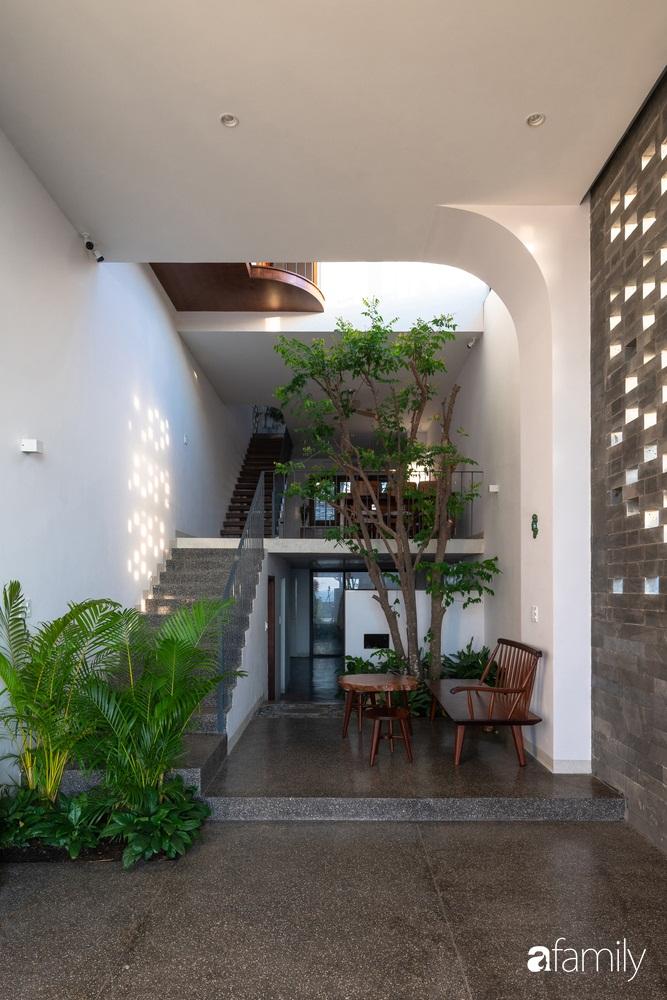 Ngôi nhà 3 tầng view biển Vũng Tàu với thiết kế mang ánh sáng và cây xanh đến từng góc nhỏ - Ảnh 12.