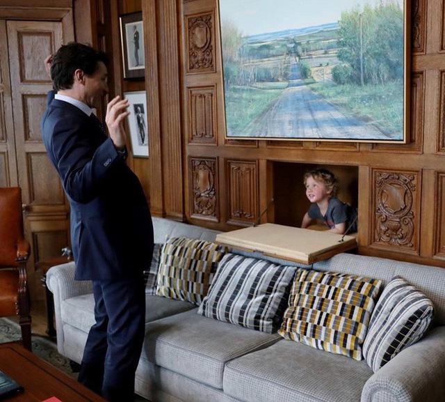 """""""Ủng hộ nữ quyền!"""" - Lời khuyên sâu sắc của thủ tướng Canada dành cho bố mẹ đang tìm cách để nuôi dạy con trai trở thành những quý ông thực thụ trong tương lai - Ảnh 4."""
