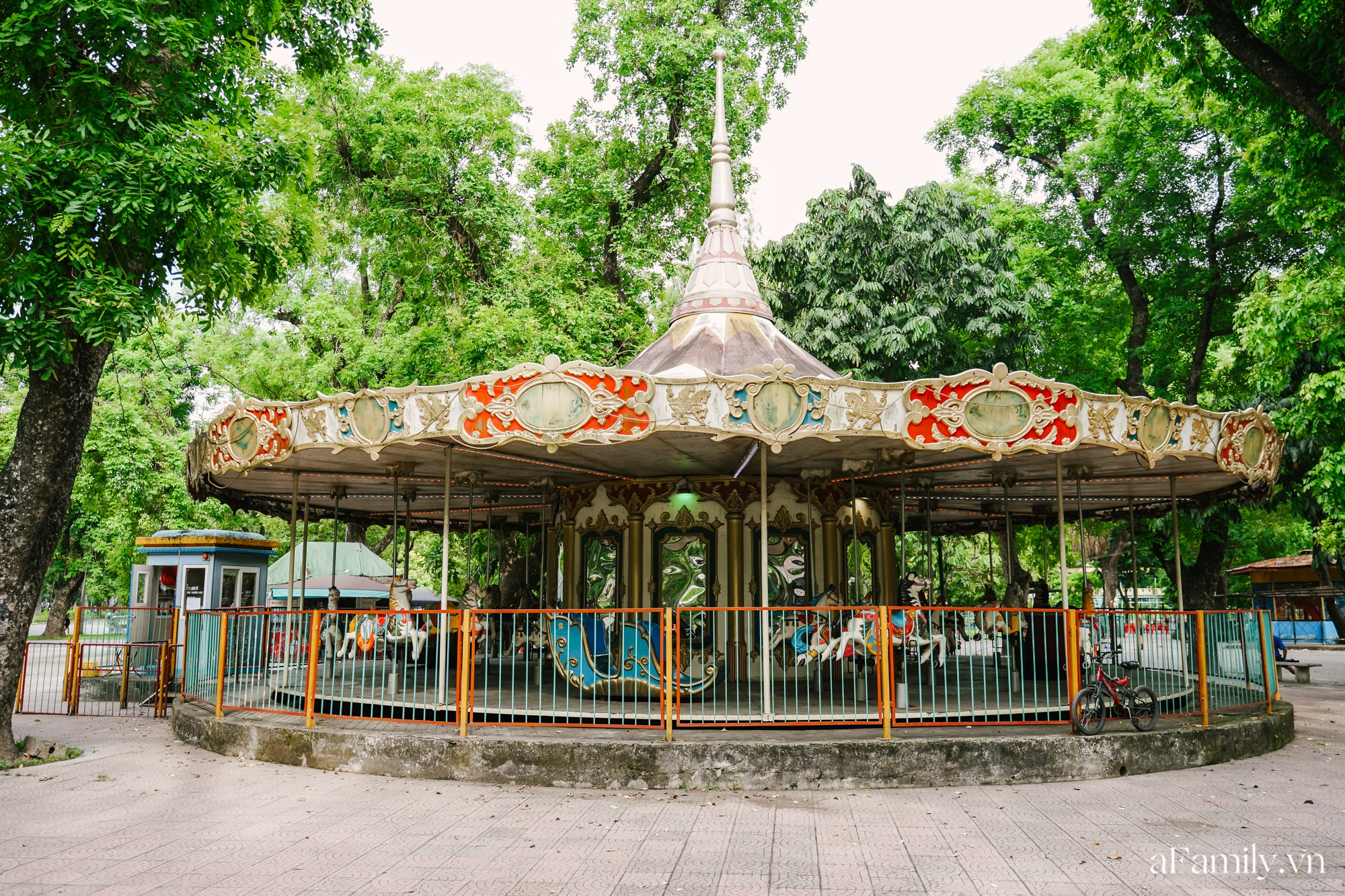 4000 đồng cho tour du lịch hè độc đáo ngay giữa thủ đô ở một công viên lâu đời vừa có đảo, vừa có rừng cây xanh, hồ cá trong lành - Ảnh 13.