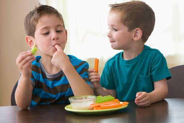 """5 tuyệt chiêu """"trị"""" trẻ lười ăn rau quả - Ảnh 3."""