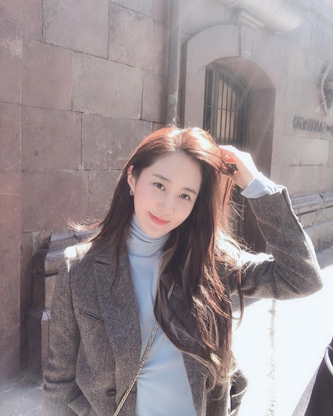 Cô nàng kín tiếng nhất SNSD: Yuri tái xuất sang chảnh rụng rời, không thể ngờ nhan sắc tuổi 30 lại khiến fan điên đảo như vậy - Ảnh 5.