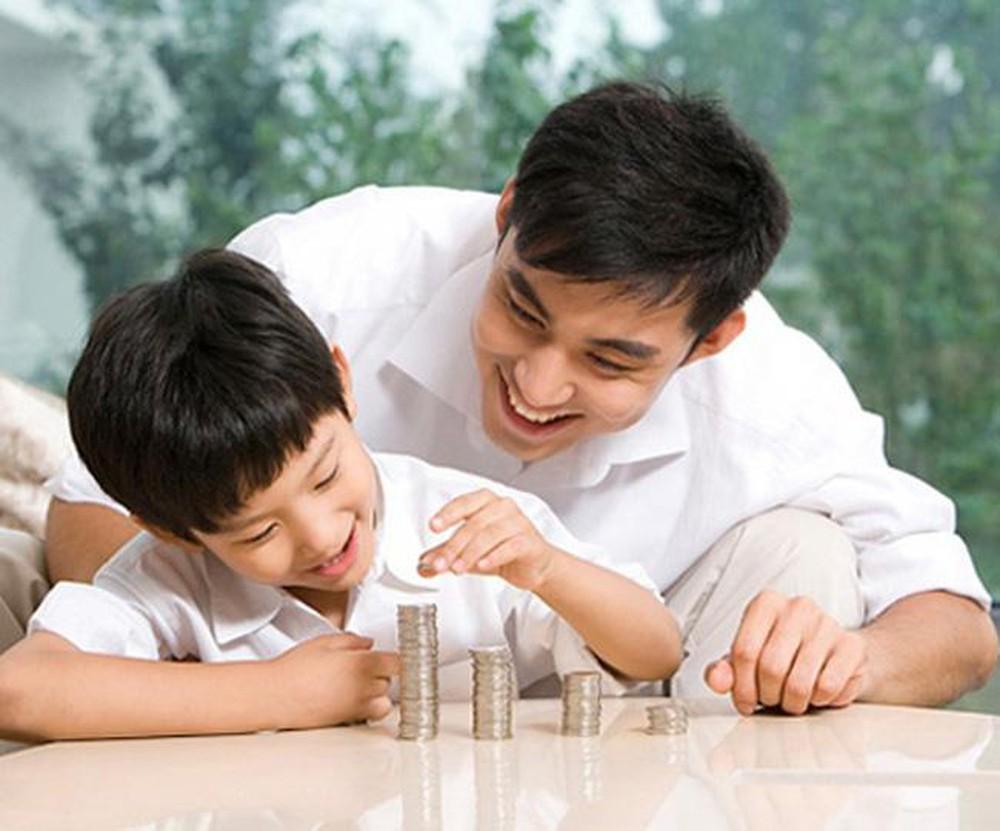 Nếu không muốn con lớn lên nghèo túng thì bố mẹ cần dừng ngay 5 sai lầm nghiêm trọng trong cách dạy dỗ này - Ảnh 1.
