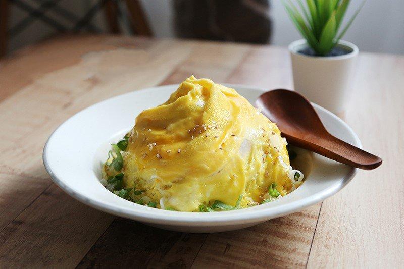 Bí quyết làm cơm chiên trứng lốc xoáy ngon đẹp như nhà hàng hóa ra lại dễ dàng đến vậy! - Ảnh 6.