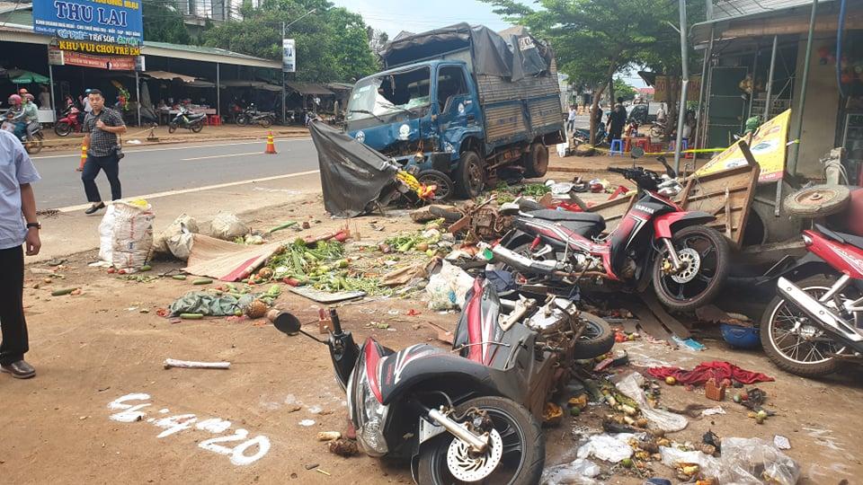 Khởi tố vụ xe tải lao vào chợ ở Đắk Nông khiến 10 người thương vong - Ảnh 2.
