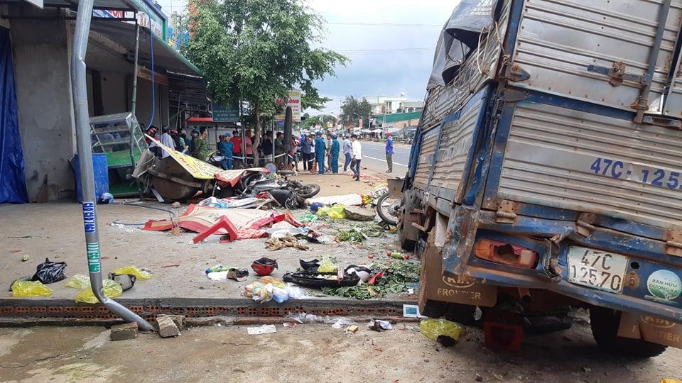 Khởi tố vụ xe tải lao vào chợ ở Đắk Nông khiến 10 người thương vong - Ảnh 1.