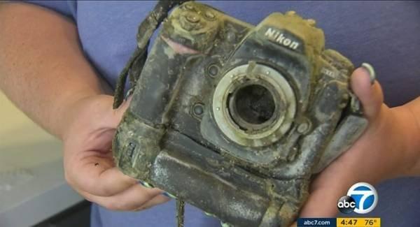 """Đi câu cá lại """"câu"""" được chiếc máy ảnh chứa 1.700 bức ảnh dưới hồ, cô gái đăng lên MXH tìm chủ nhân nhưng kết cục khiến 3 người phải vào tù - Ảnh 1."""
