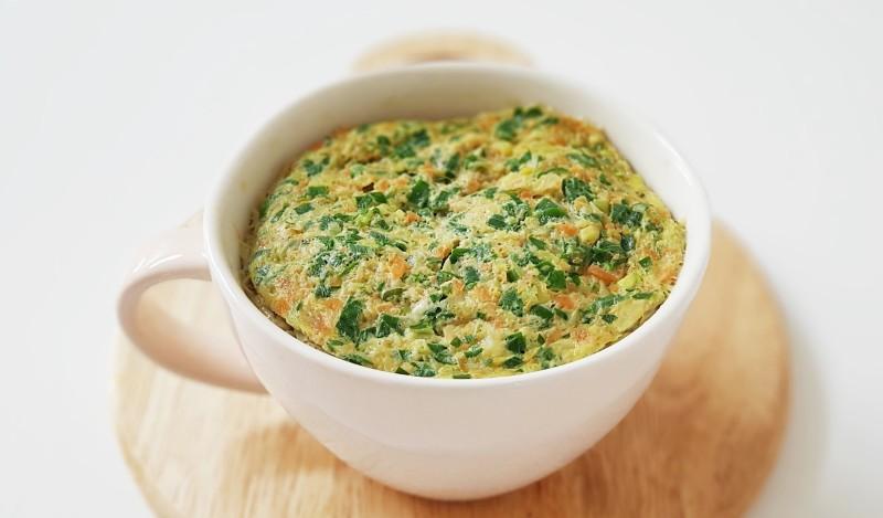 Cách làm trứng hấp rau củ bằng lò vi sóng đơn giản trong 10 phút