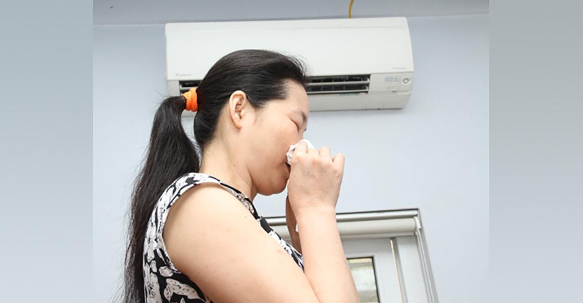 Máy điều hòa của gia đình tôi gần đây bị bốc mùi hôi rất khó chịu, tôi phải làm thế nào để điều hòa hết mùi? - Ảnh 2.