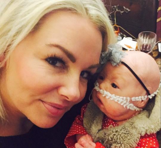 Bà mẹ sốc nặng khi bác sĩ yêu cầu làm việc này trước khi bế con lần đầu tiên - Ảnh 3.