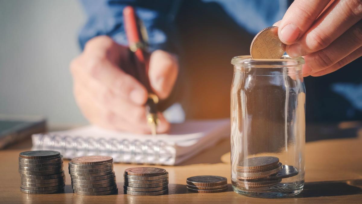 """Dù """"ví đói"""" nhưng nắm chắc 5 bí quyết chi tiêu này, bạn vẫn rủng rỉnh đủ tiền tiêu xài cả tháng - Ảnh 2."""