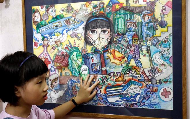Bé gái 10 tuổi người Việt Nam vẽ tranh về Covid-19 được lên báo quốc tế