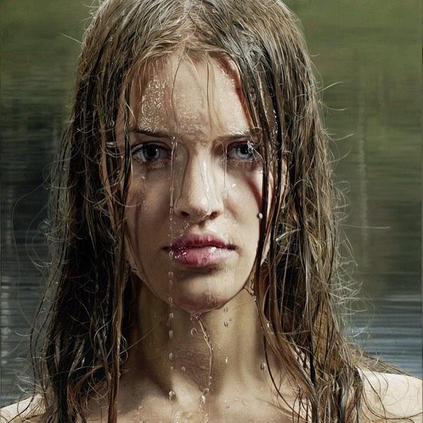 Hình ảnh 2 cô gái chơi đùa trên biển trông rất đỗi bình thường nhưng ẩn sau đó là một bí mật gây choáng váng cho bất kỳ ai - Ảnh 6.