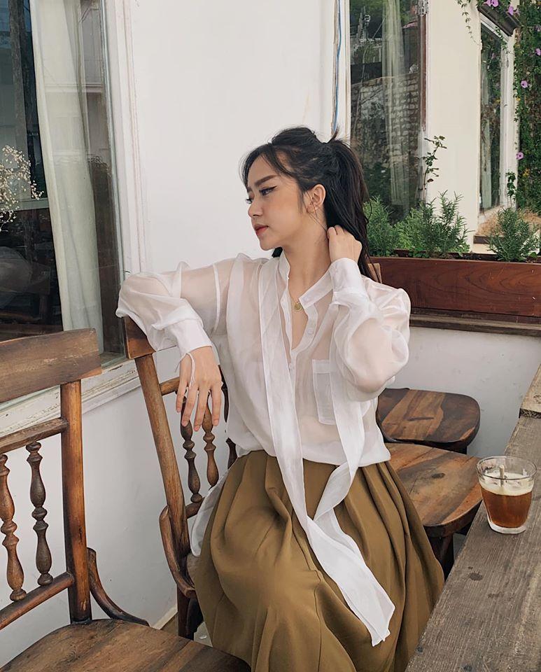 Nếu 1 ngày chán sơ mi, các nàng hãy thử sang áo blouse buộc dây cổ  - Ảnh 10.