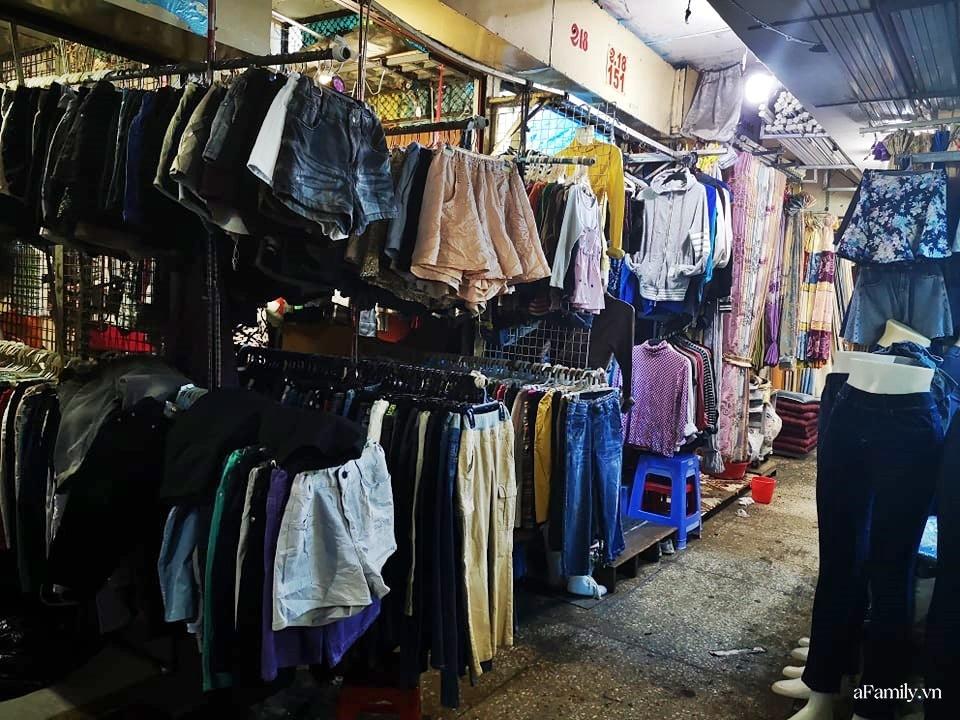 """Kẹt Campuchia vì công việc, cô gái trẻ mê luôn """"thiên đường secondhand"""" nước bạn đến nỗi lục tìm tận 3 khu chợ cho thỏa đam mê - Ảnh 5."""