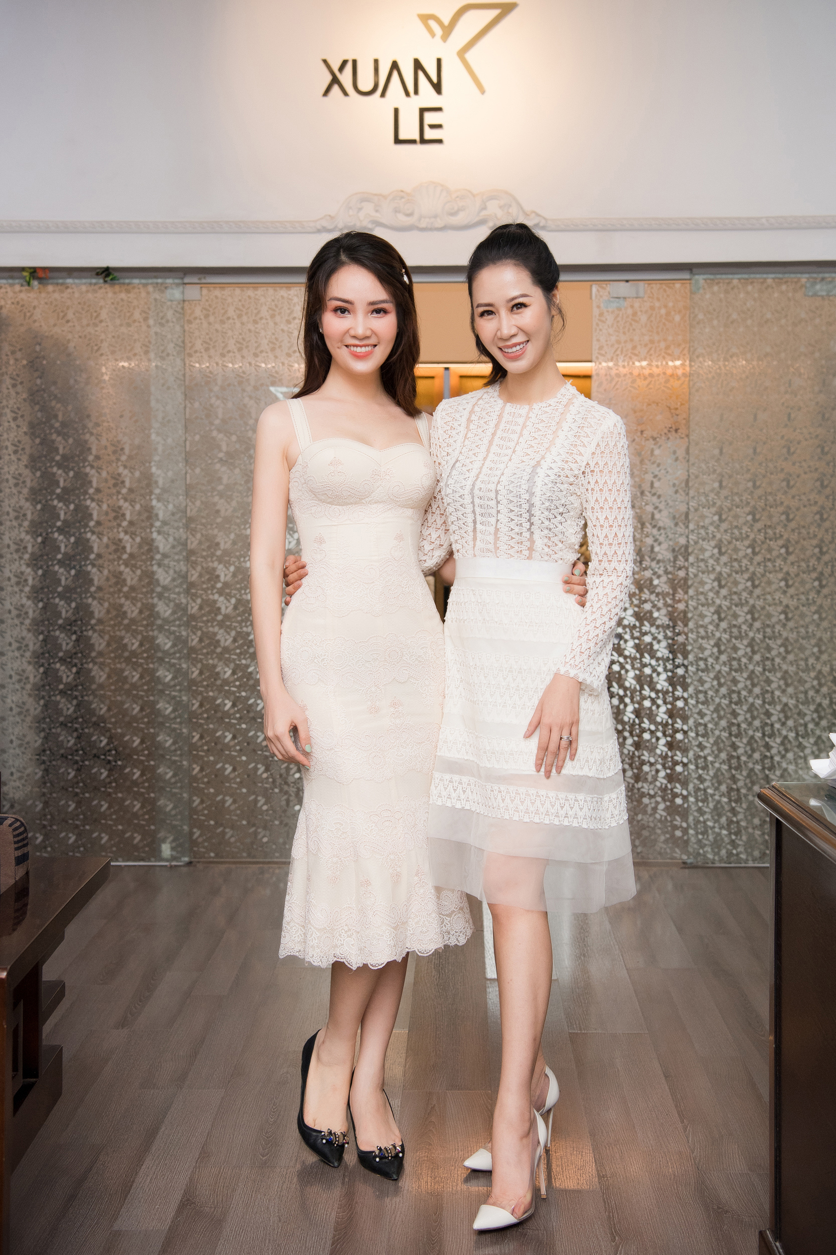 Á hậu Thụy Vân quyên góp trang phục cũ ủng hộ chiến dịch tái chế của NTK Xuân Lê - Ảnh 5.