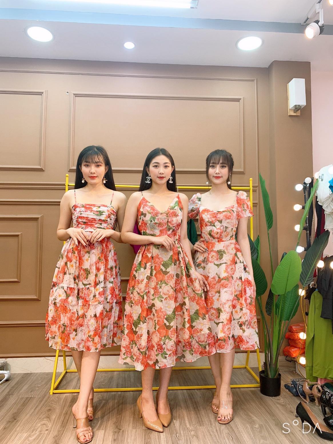 MONOCO: Sự hòa quyện mới mẻ giữa thời trang váy dạ tiệc và cuộc sống - Ảnh 2.
