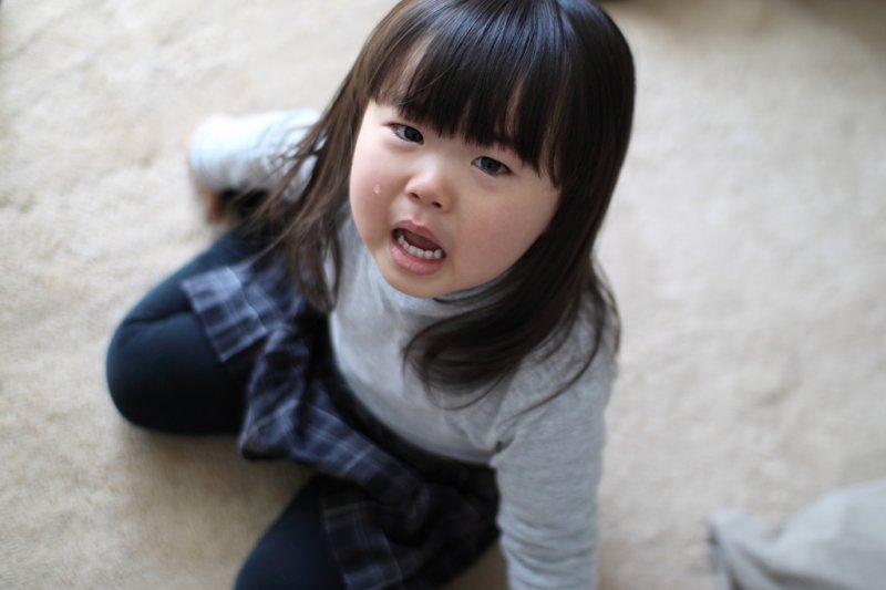 """Con gái 5 tuổi liên tục hét lên khi đi tắm, mẹ vừa kiểm tra camera lớp học đã sợ """"nổi da gà"""" và lập tức đưa con đến gặp bác sĩ - Ảnh 5."""