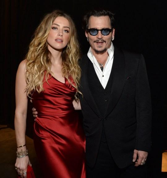 Amber Heard bị tố từng quan hệ tập thể cả nam lẫn nữ ngay trên giường của Johnny Depp - Ảnh 3.