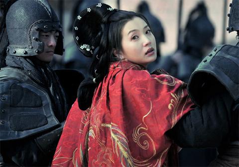 Chuyện về vị Hoàng hậu đầu tiên của nhà Tấn: 17 tuổi gả cho anh rể, tận hưởng 16 năm nhung lụa để rồi chết đói ở tuổi 34 - Ảnh 2.