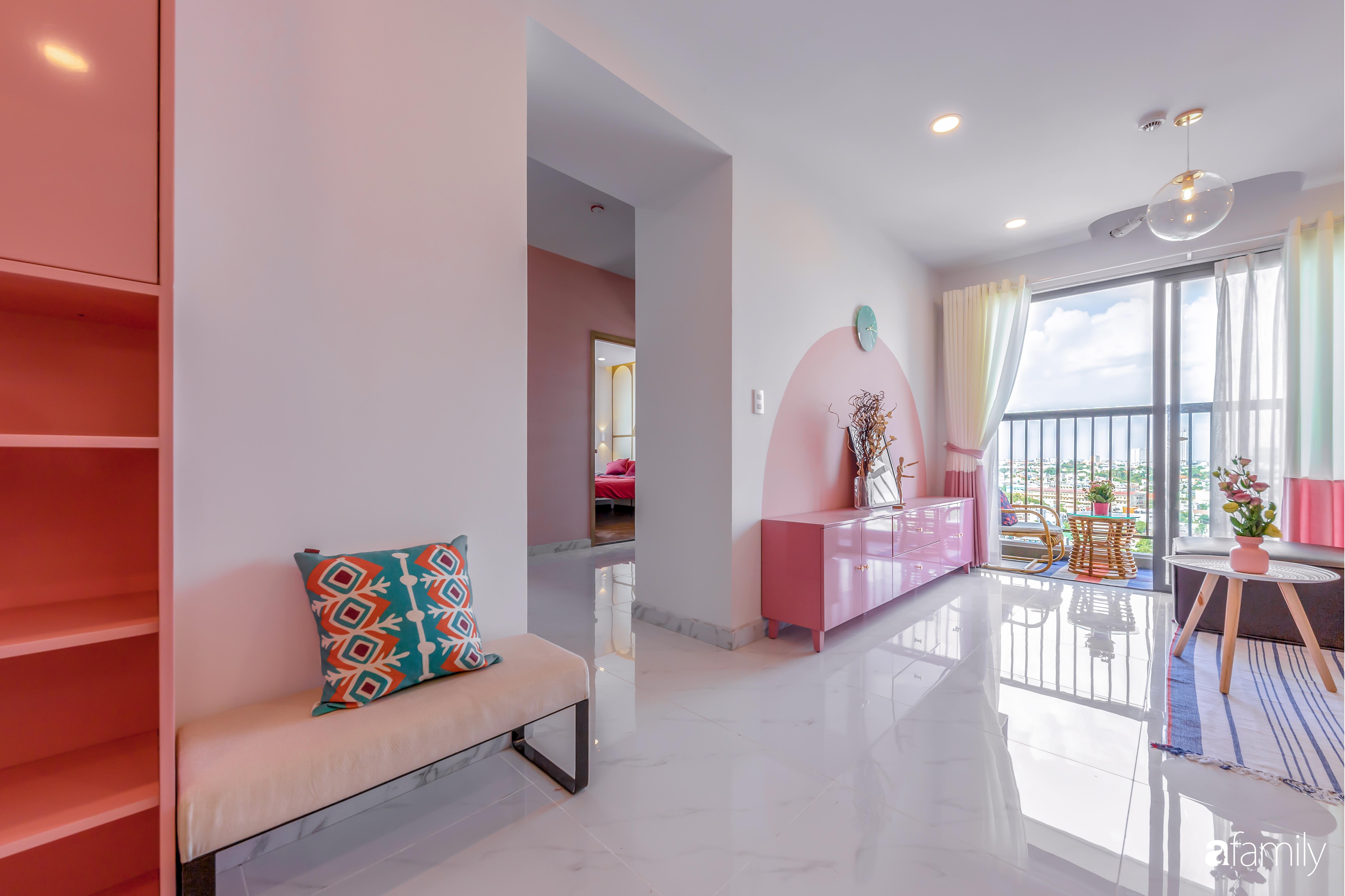 Căn hộ 100m² ngọt ngào khi chọn sắc hồng làm màu chủ đạo có chi phí hoàn thiện 450 triệu đồng ở TP HCM - Ảnh 1.
