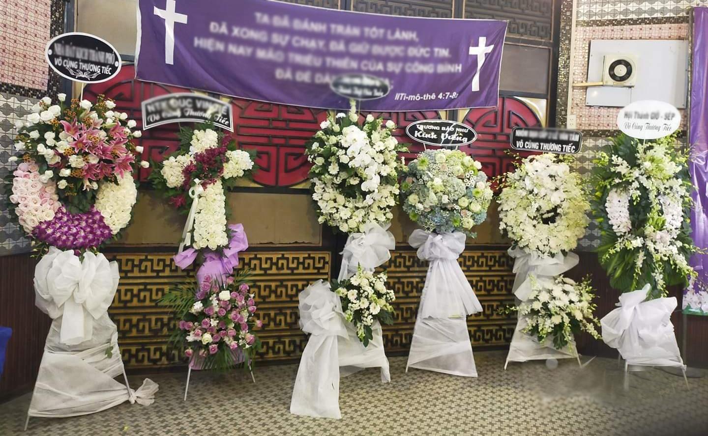Tư vấn cách chọn hoa tang lễ phù hợp, mang ý nghĩa - Ảnh 2.