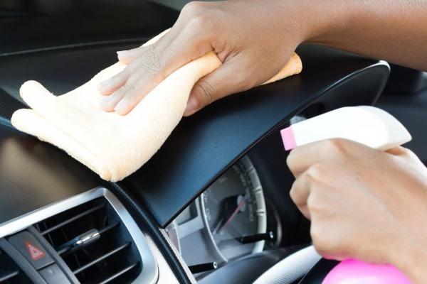 Nguy cơ sốc nhiệt do dùng điều hòa sai cách khi lái xe ô tô ngày nắng  - Ảnh 3.