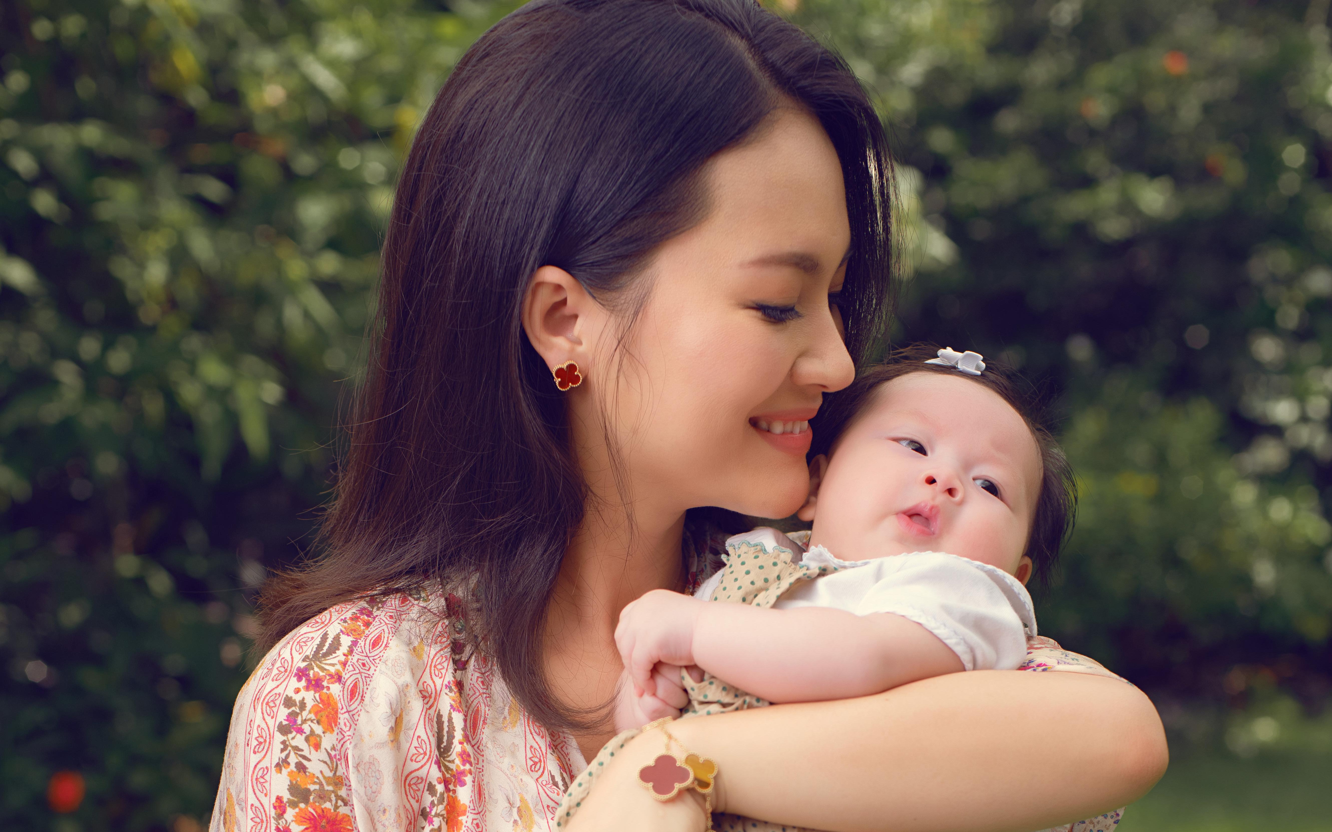 """Nữ diễn viên """"Chuyện của Pao"""" Hải Yến sinh liền 3 nhóc tỳ trong 5 năm ở ẩn, cuộc sống tất bật khiến mẹ bỉm sữa nào cũng đồng cảm"""