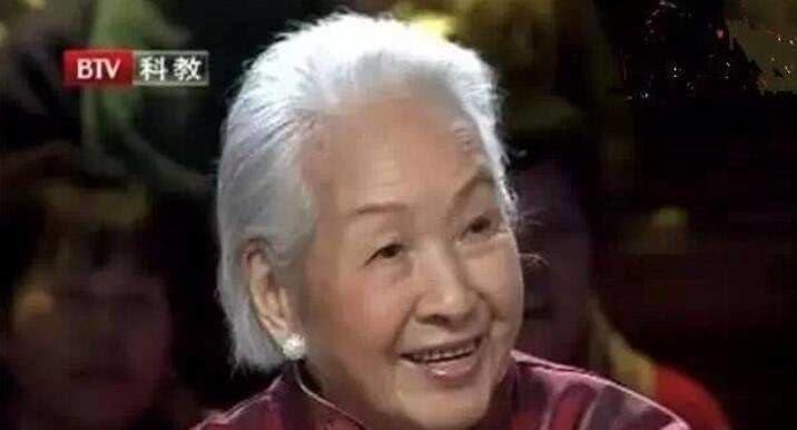 """Cụ bà mắc ung thư ruột vẫn sống thọ 115 tuổi, nét đẹp thanh tú như """"thiếu nữ"""": Bí quyết kéo dài sự sống đến từ 4 việc rất cơ bản - Ảnh 1."""