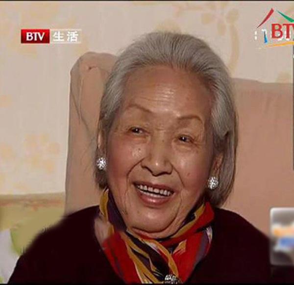 """Cụ bà mắc ung thư ruột vẫn sống thọ 115 tuổi, nét đẹp thanh tú như """"thiếu nữ"""": Bí quyết kéo dài sự sống đến từ 4 việc rất cơ bản - Ảnh 2."""