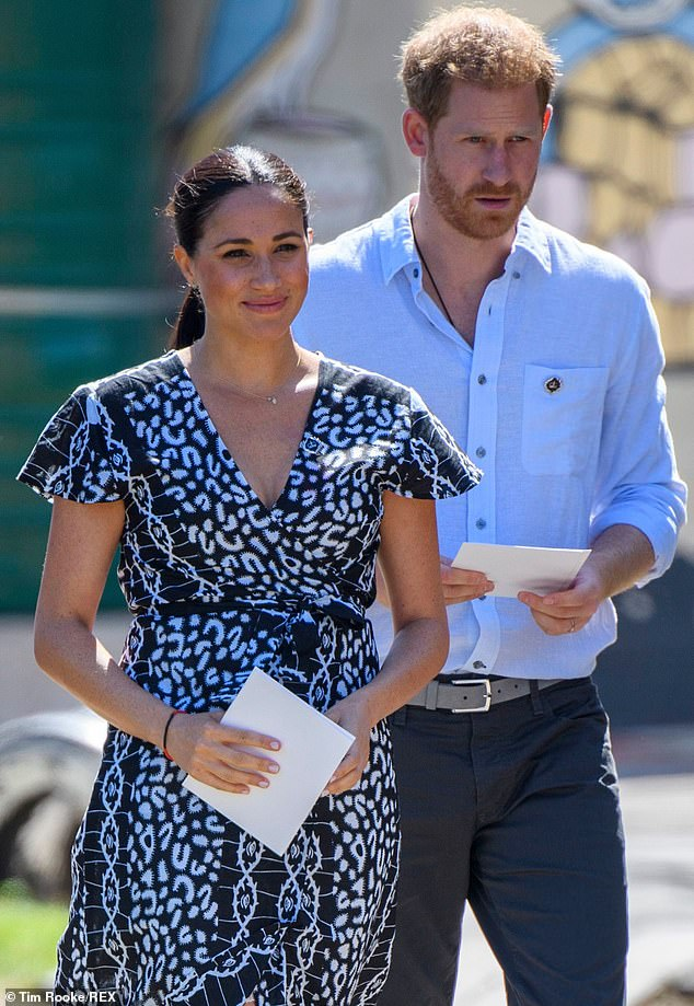 Meghan Markrle phũ phàng từ chối thành ý của Nữ hoàng Anh trong khi Harry thì tuyệt vọng, cuộc hôn nhân này liệu có bền lâu? - Ảnh 2.