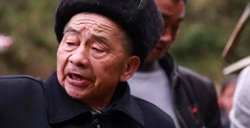 Khâm phục cụ ông dành 36 năm cuộc đời đào mương xuyên 3 quả núi để dẫn nước về làng - Ảnh 2.