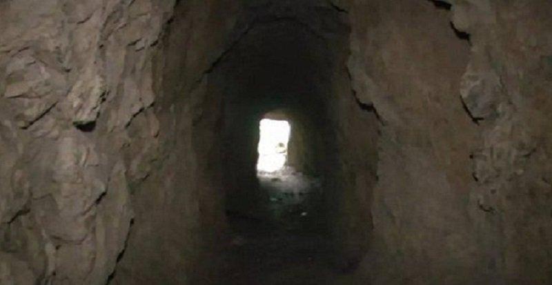 Khâm phục cụ ông dành 36 năm cuộc đời đào mương xuyên 3 quả núi để dẫn nước về làng - Ảnh 3.