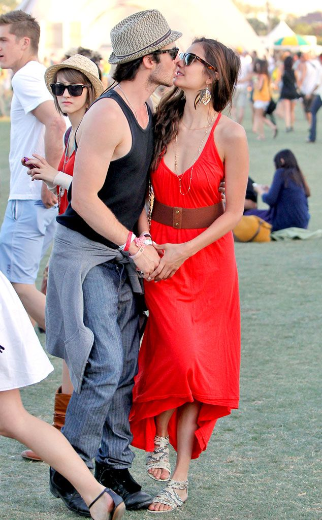 """Khi các sao Hollywood hẹn hò tình cũ của bạn thân: Selena Gomez vẫn giữ được tình chị em thân thiết, Jennifer Aniston và Courteney Cox từng """"nghỉ chơi"""" nhau - Ảnh 7."""