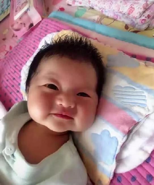 """Mẹ nghẹn ngào muốn khóc khi con gái mới sinh trông như """"củ khoai môn"""", 3 tháng sau nhìn con mà cô mãn nguyện cười nở hoa - Ảnh 3."""