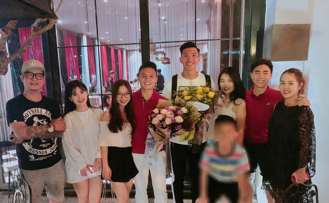 Người anh của Quang Hải trong tin nhắn hacker tiết lộ: Thường xuyên xuất hiện tại nhiều cuộc vui, bữa tiệc của cầu thủ nổi tiếng - Ảnh 4.