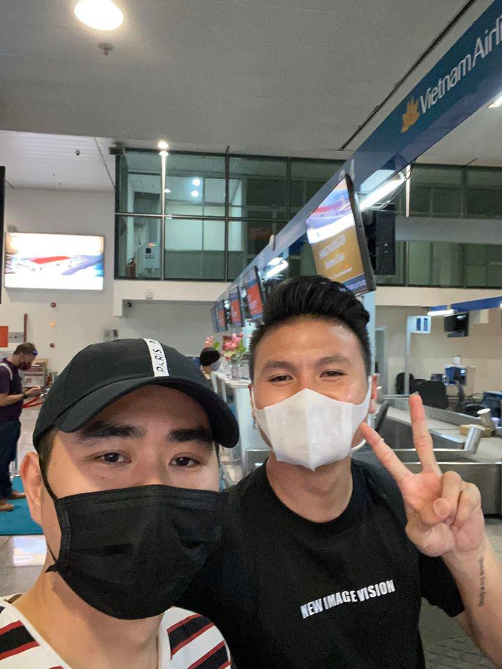 Người anh của Quang Hải trong tin nhắn hacker tiết lộ: Thường xuyên xuất hiện tại nhiều cuộc vui, bữa tiệc của cầu thủ nổi tiếng - Ảnh 1.