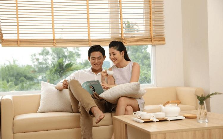 Cặp vợ trẻ Hà Nội tổ chức đám cưới đơn giản nhưng ấm cúng chỉ với 70 triệu, chỉ 5 tháng sau đã mua được nhà riêng - Ảnh 1.
