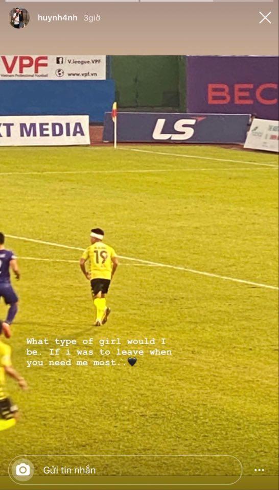 Sau trận đấu, Huỳnh Anh bất ngờ chia sẻ tâm trạng trên mạng xã hội, câu nói ngắn gọn nhưng đủ để đánh bay tin đồn rạn nứt tình cảm với Quang Hải - Ảnh 2.
