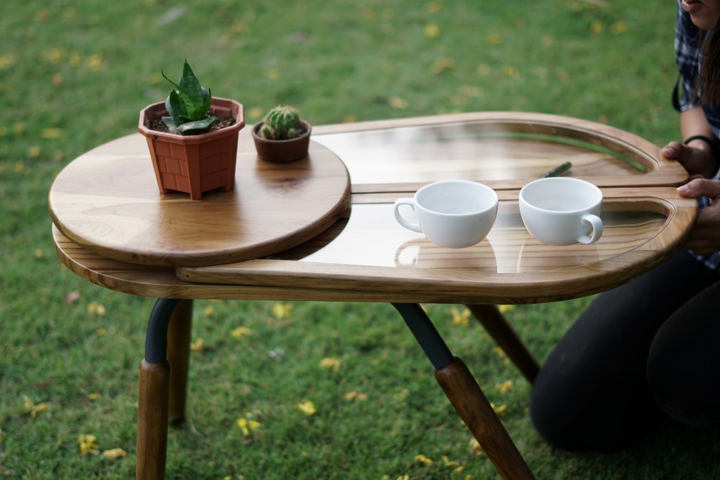Thiết kế độc đáo như chú bọ cánh cứng, chiếc bàn trà ăn gian diện tích được lòng hội chị em sở hữu nhà nhỏ hẹp - Ảnh 3.