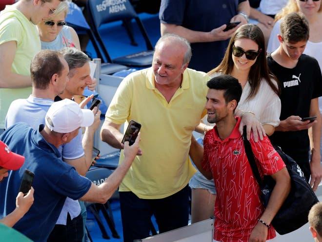 Novak Djokovic dương tính với COVID-19 - Ảnh 1.