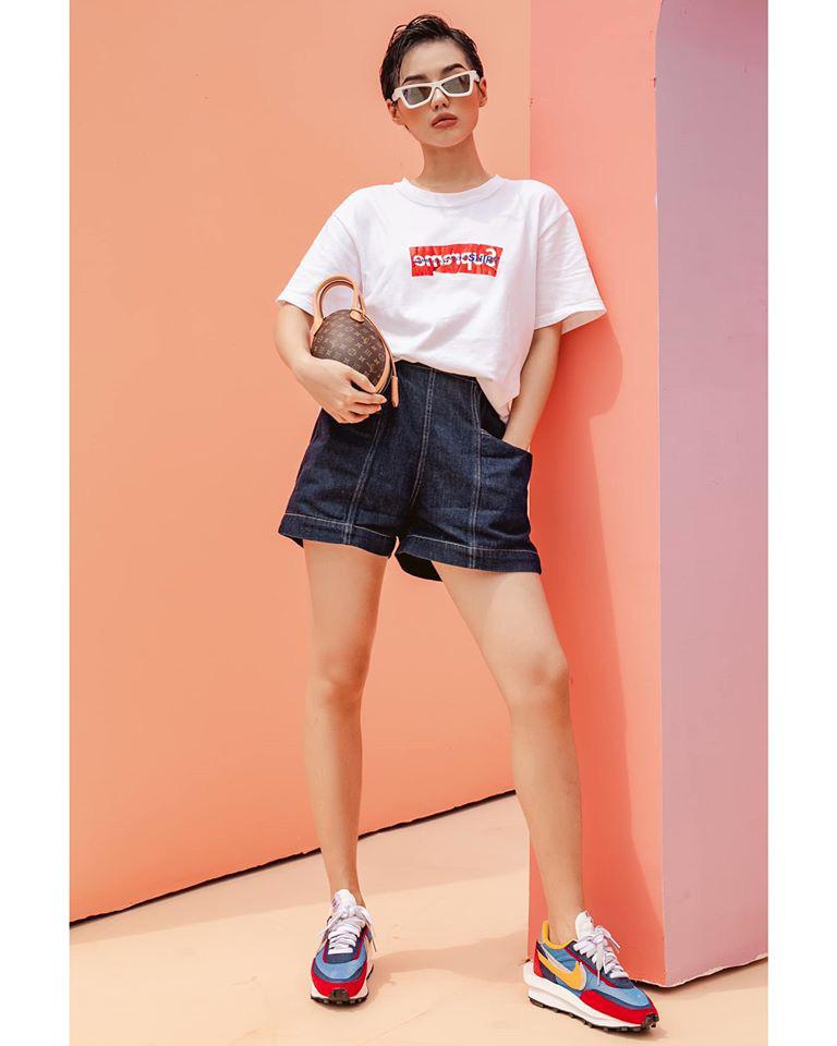 """""""Soi"""" các phối đồ mùa hè cực cuốn hút của """"Cô Em Trendy"""" Khánh Linh - Ảnh 2."""