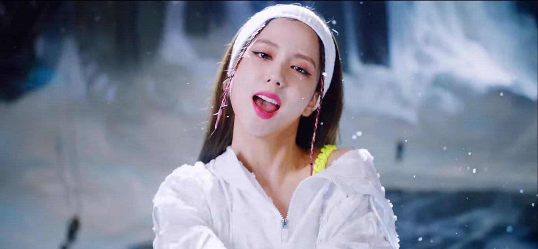"""Jisoo (Black Pink) hay bị chê """"nhạt"""" nhưng nếu điểm lại hình ảnh của cô trong How You Like That thì ai cũng phải câm nín - Ảnh 8."""