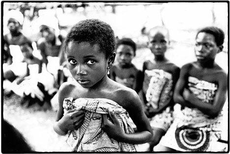 """Trokosi: Thứ hủ tục ám ảnh phá nát đời của những bé gái bị ép làm nô lệ tình dục, lao động khổ sai suốt kiếp để """"trả nợ cho cha"""" - Ảnh 1."""