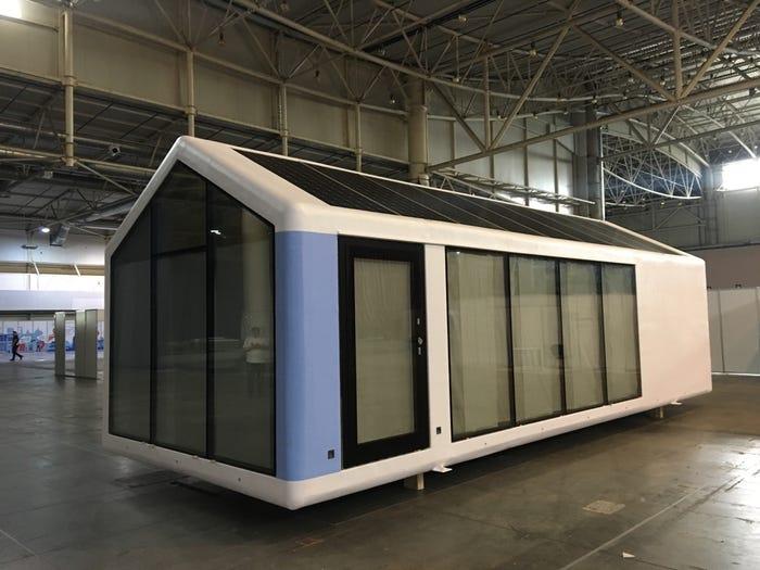 Bên trong căn nhà thông minh in 3D nhỏ mà có võ: Đủ công nghệ để chống lại cả Covid-19 lẫn đại dịch Zombie - Ảnh 2.