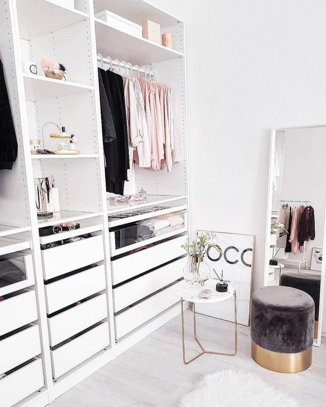 Những kiểu dáng tủ quần áo vừa thời trang vừa giúp đựng được vô số đồ đạc dành cho nhà nhỏ - Ảnh 13.