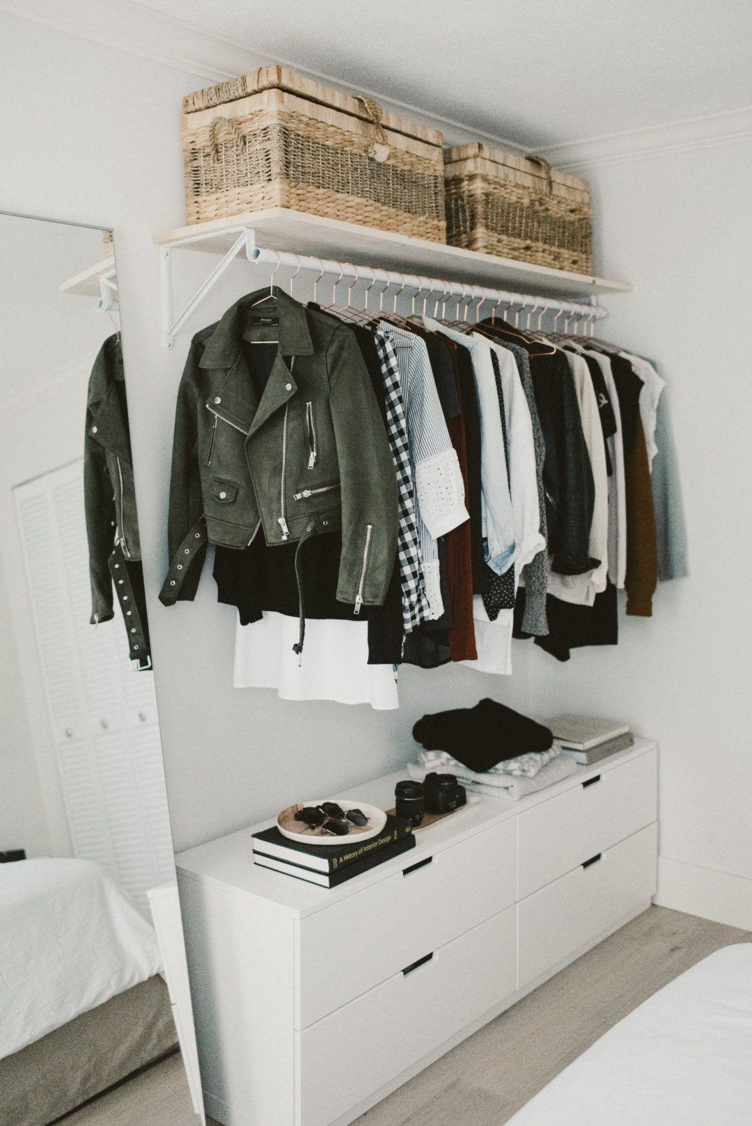 Những kiểu dáng tủ quần áo vừa thời trang vừa giúp đựng được vô số đồ đạc dành cho nhà nhỏ - Ảnh 3.