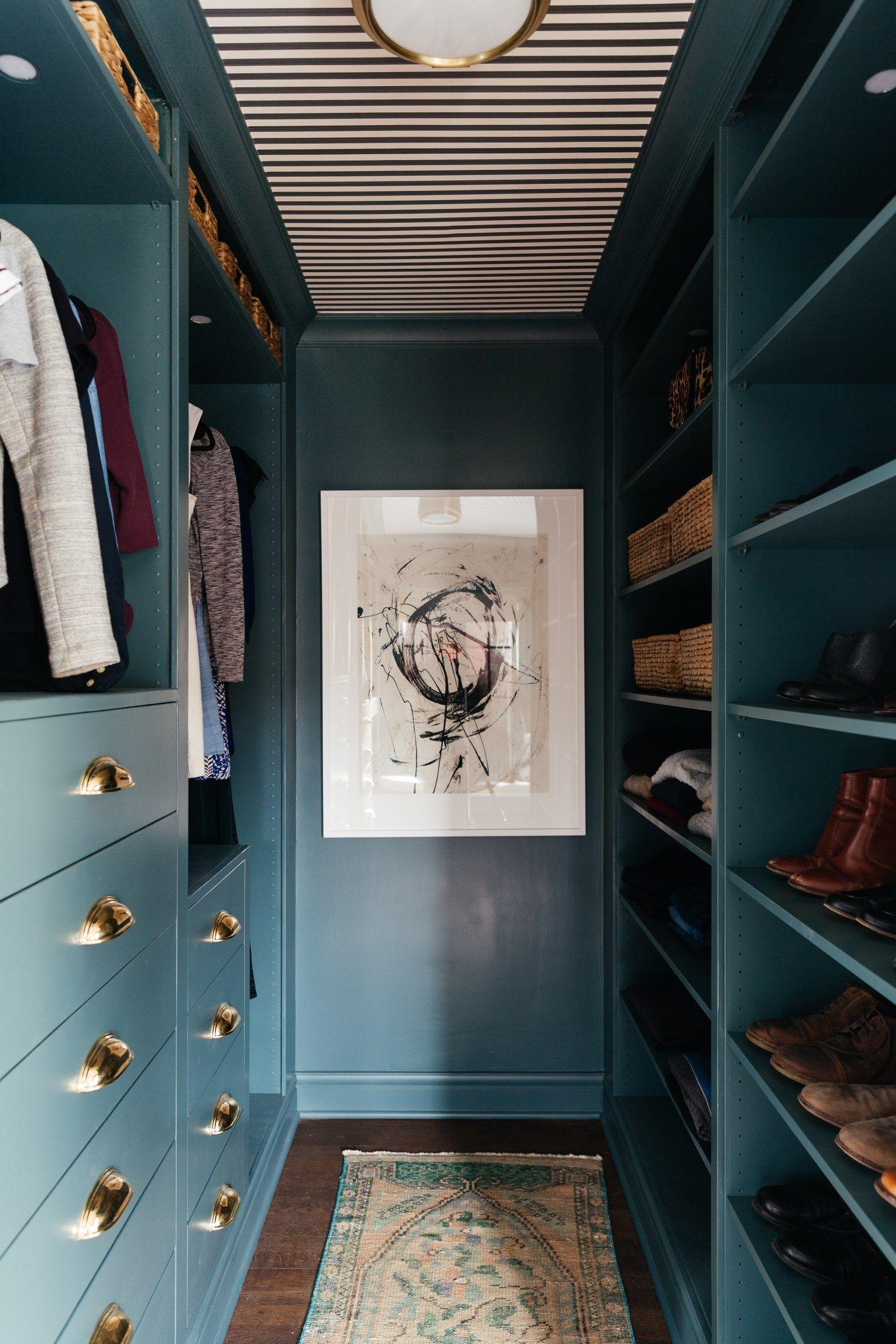 Những kiểu dáng tủ quần áo vừa thời trang vừa giúp đựng được vô số đồ đạc dành cho nhà nhỏ - Ảnh 7.