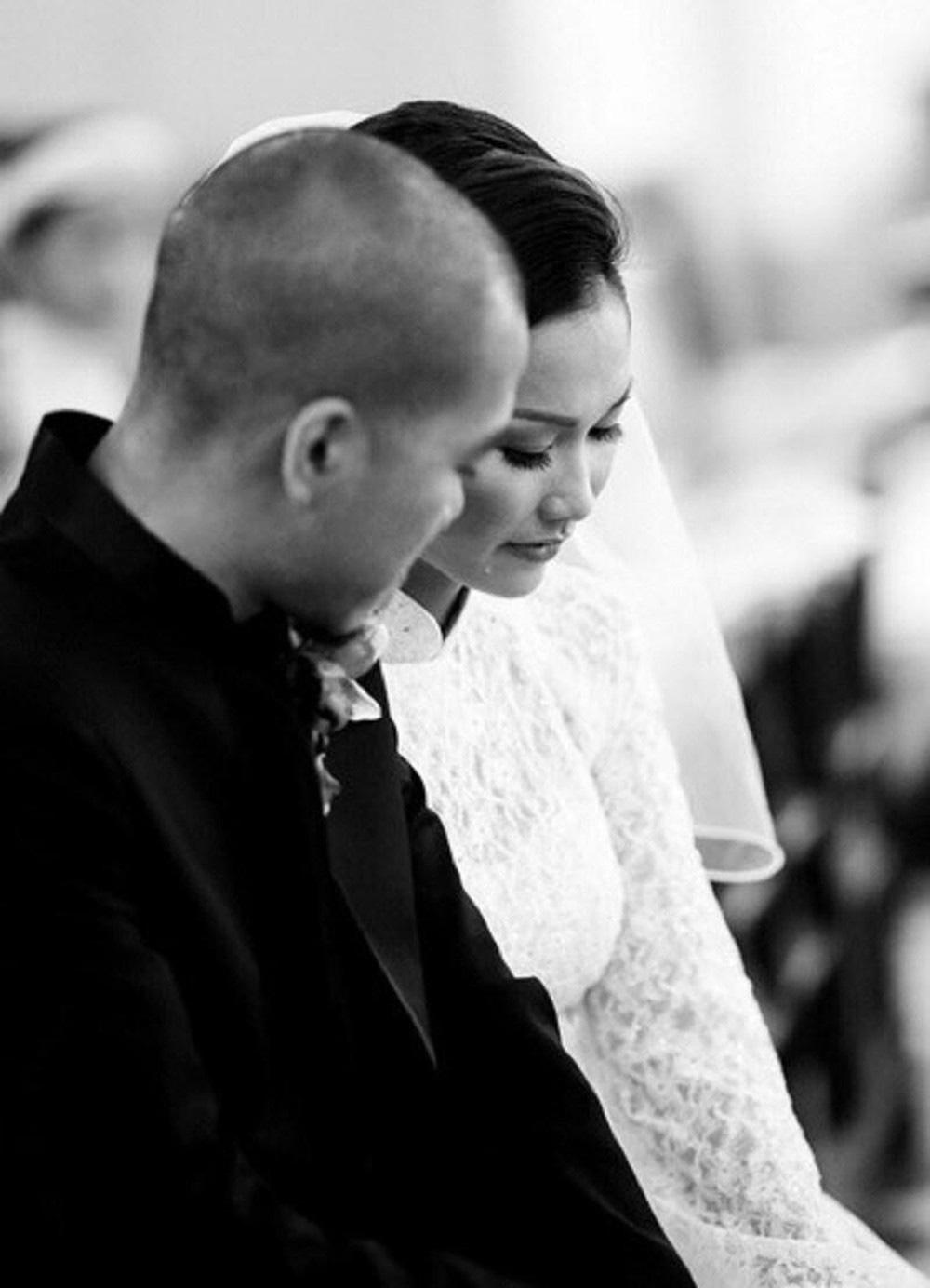 Không thể về chịu tang, Kim Hiền xúc động vì chồng cũ thay mặt để lo chu toàn và đưa tiễn mẹ ruột về nơi an nghỉ cuối cùng - Ảnh 3.