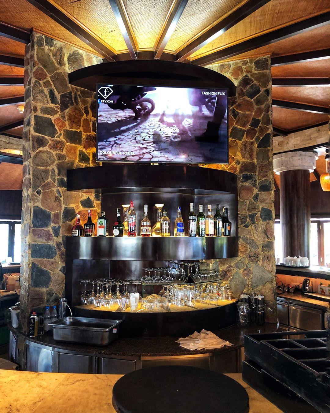 4 quán pub có view ngắm hồ Tây cực đỉnh dành cho những cô nàng đam mê văn hóa Apéro - hết giờ làm là đến luôn giờ chill! - Ảnh 11.
